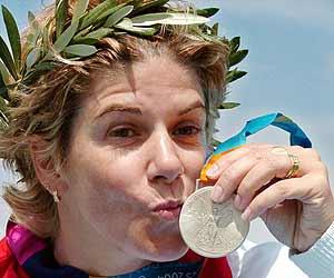 María, con la medalla de plata./EFE