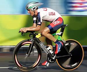 Tyler Hamilton durante su participación en la crono./AFP