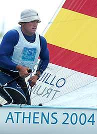 Rafael Trujillo, durante una regata de la clase Finn./EFE