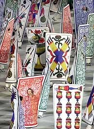 Las cartas y el tarot se pasaron por el estadio. (Foto: EFE)