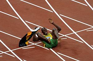 Bolt celebra la victoria en los 4x100 m. (AP)