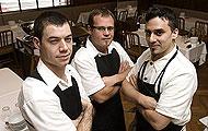 Desde Argentina. de izda. a dcha., Félix Gehle (jefe de sala), Pablo Giudice (gerente) y Estanis Carenzo (chef). | Q. F.