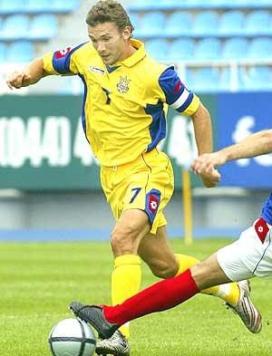 Shevchenko, en un partido reciente con su selección. (Foto: AP)