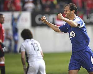 Pernía celebra un gol durante la pasada temporada. (Foto: REUTERS)