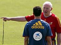 Aragonés y Reyes, en un entrenamiento. (REUTERS)