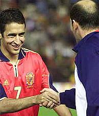 Raúl saluda a Zidane. (Foto: D. R.)