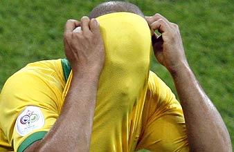 Adriano no quiso ver el final de Brasil en Alemania. (Foto: EFE)