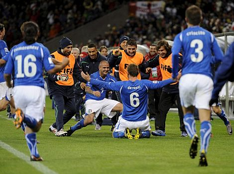 Daniele de Rossi celebra su gol ante Paraguay. | Efe
