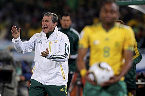 Parreira durante el partido ante Uruguay. (Foto: Reuters)