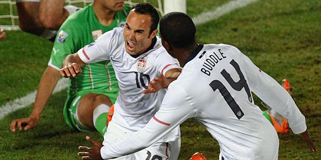 Donovan celebra el tanto salvador ante Argelia. | Afp