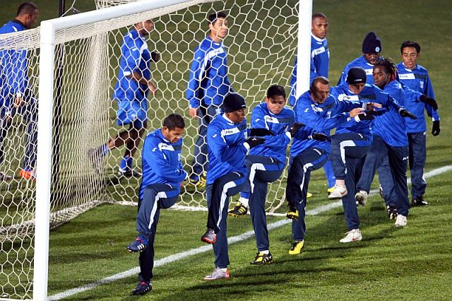 La selección de Honduras se entrena en Bloemfontein. | Efe