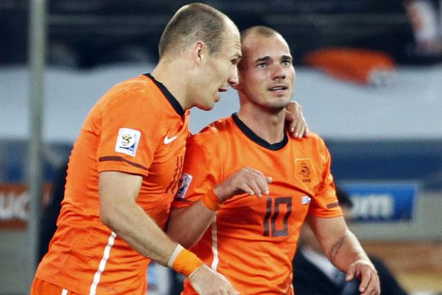 Arjen Robben y Wesley Sneijder. | Reuters