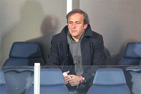 El presidente de la UEFA, Michel Platini, antes de un encuentro del Mundial. | Efe