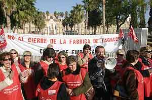 Trabajadores de Altadis, durante una protesta de 2004. (Foto: Fernando Ruso)
