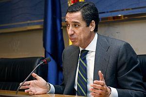 Eduardo Zaplana, durante su rueda de prensa. (Foto: EFE)