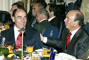 El presidente del Santander, Emilio Botín (dcha), junto al presidente de Iberdrola, Ignacio Sánchez Galán. (Foto: EFE)