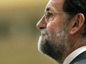 El líder de la oposición, Mariano Rajoy, durante la sesión de control en el Congreso. (Foto: EFE)