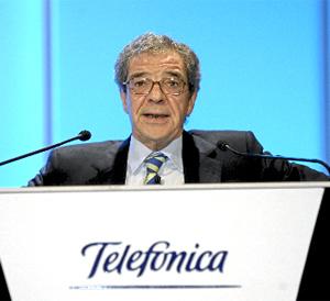 El presidente de Telefónica, Cesar Alierta, en un momento de la celebración de la junta de accionistas en mayo. (Foto: EL MUNDO)