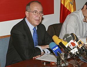 El presidente de la Comisión Nacional de la Competencia, Luis Berenguer. (Foto: EFE)