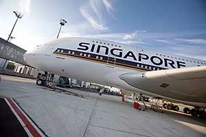 El A380 de Singapore Airlines, en el aeropuerto de Toulouse. (Foto: AFP)