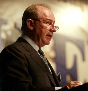 Rodrigo Rato, director gerente del FMI, en una intervención en el Instituto Internacional de Finanzas en Madrid. (Foto: AFP)
