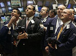 Corredores de la Bolsa de Nueva York esperan atentos el anuncio de la Fed. (Foto: AP)