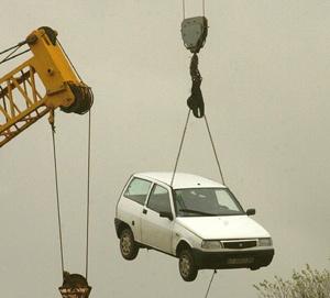 El desguace ha sido el destino de la gran mayoría de vehículos retirados. (Foto: Iñaki Andrés)