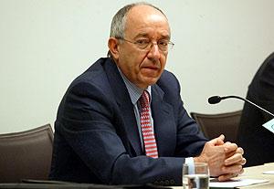 El gobernador del Banco de España, Miguel Ángel Fernández Ordóñez, durante una conferencia. (Foto: A. Moreno)