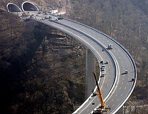 Viaducto de Montabliz, el más alto de España. (Foto: EFE) Vea más fotos