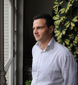 El corredor de bolsa dijo en su primer interrogatorio que realizó las arriesgadas operaciones de SocGen para ganar una prima mayor. (Foto: AFP)
