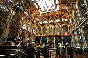 Interior de la Bolsa de Madrid. (Foto: Sergio González)