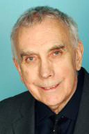 El laureado John Anthony Allan.