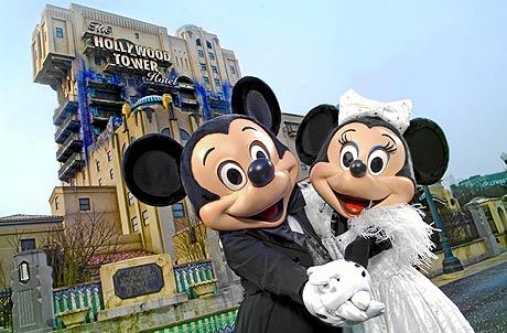 Inauguración den¡ nuevas atracciones en Disneyland por el 15º aniversario. (FOTO: ELMUNDO)
