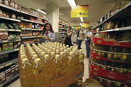 Aceite de girasol en un supermercado. (FOTO: SERGIO GONZÁLEZ)
