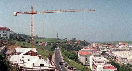 La cara y la cruz de la economía española, turismo y construcción. (Foto: Javier Cotera)
