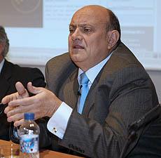 El presidente de la Confederación Española de Cajas de Ahorro (CECA), Juan Ramón Quintás. (Foto: EFE)