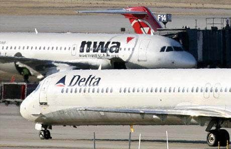 Aviones de Delta y Northwest. (Foto: REUTERS)