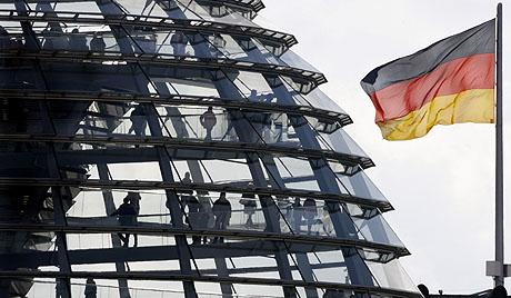 Turistas en el Reichstag, Berlín. (Foto: AP)