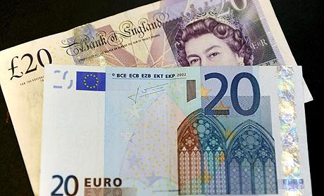 La libra esterlina bajó hoy por sexta jornada consecutiva y registró un nuevo mínimo histórico frente al euro. (Foto: EFE)