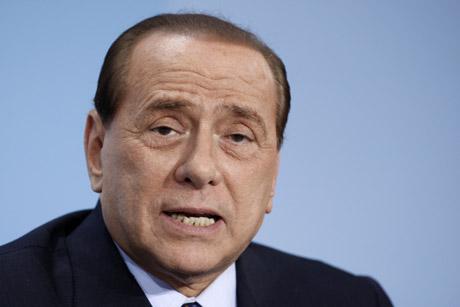 Silvio Berlusconi durante una rueda de prensa en Berlin, Alemania.|AP