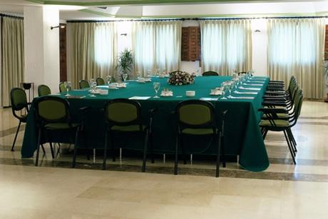 Una sala de reuniones del Parador de Cuenca
