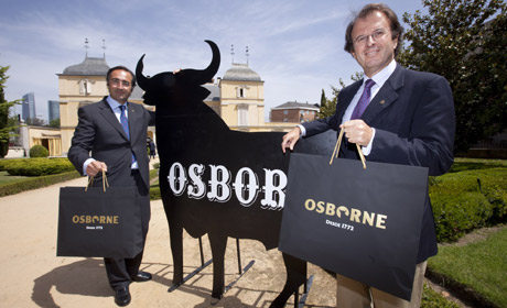 Alfonso Calderón, director general (d), e Ignacio Osborne, consejero delegado. | G. Arroyo