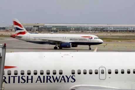 Aviones de la compañía en el aeropuerto de el Prat. | Antonio Moreno