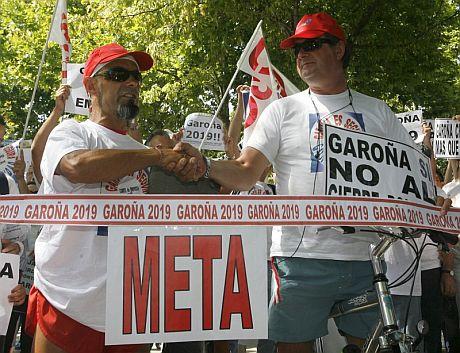 Trabajadores de Garoña se manifestaron esta mañana frente al Ministerio de Industria. | Efe