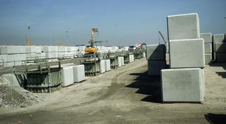 Construcción realizada con moldes de cemento. | José Cuéllar