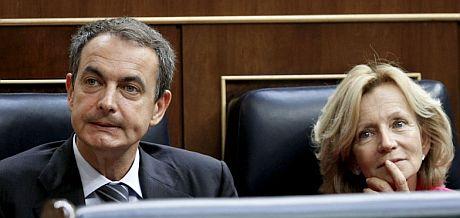 El presidente del Gobierno, José Luis Rodríguez Zapatero, y la ministra Elena Salgado. | Efe