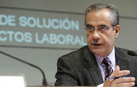 El ministro de Trabajo, Celestino Corbacho. | Ángel Díaz