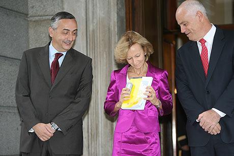 La ministra de Economía en su llegada al Congreso de los Diputados. | Alberto Cuéllar