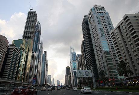 Imagen de la avenida de Sheik Zayed, en Dubai. | Reuters