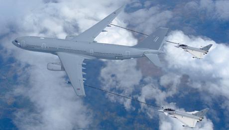 El tanquero de Airbus A330 MRTT. | EL MUNDO